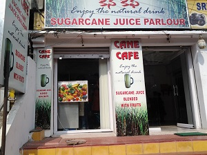 Cane Cafe – A Great Hygienic Place to Have Sugarcane Juice