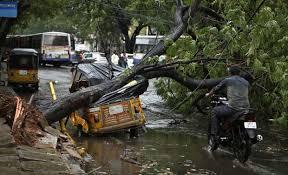 Sudden Rain Lashes City, Causes Inconvenience